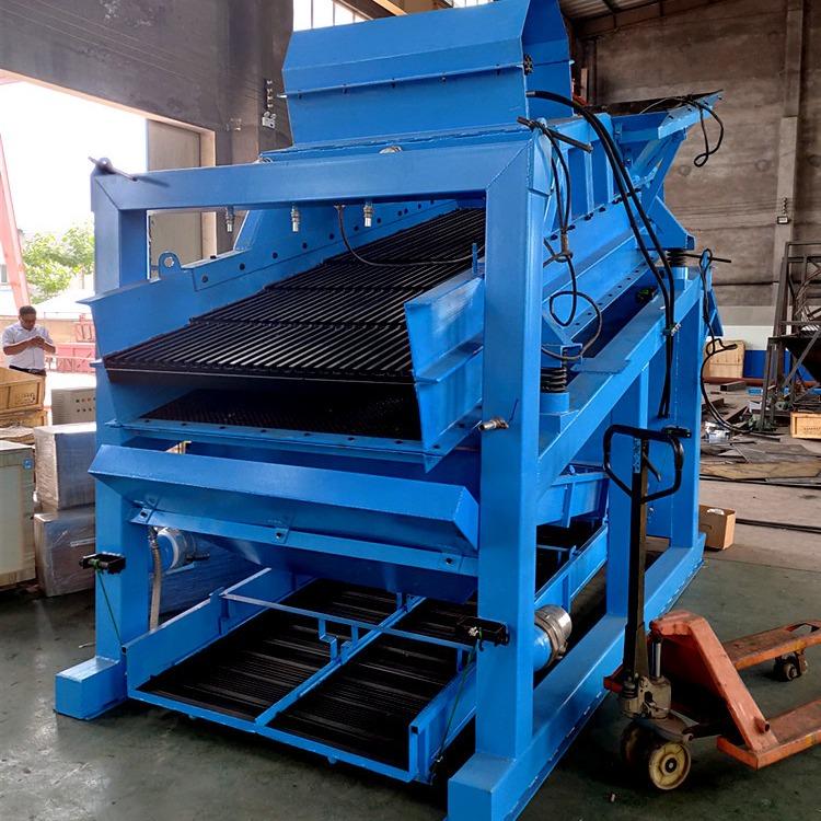 開采沙金礦設備 移動式選金設備 小型采金溜槽
